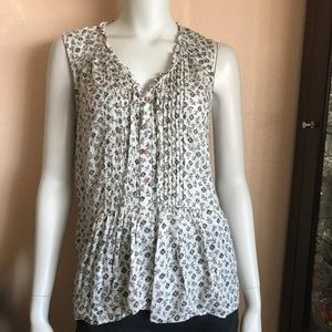 Holding Horses Beige Floral Sleeveless Button Top